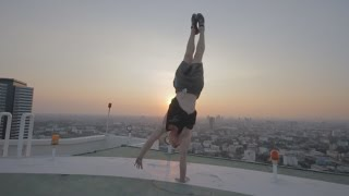Parkour and Freerunning 2016 - Amazing Stunts