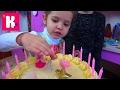 День рождения Кати 4 года Шоколадные туфли Лабутэны Шикарная машина Порше и Мир Сильваниан Фэмилис