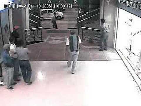 Video de un robo en el Centro comercial el dorado, Barinas 2006