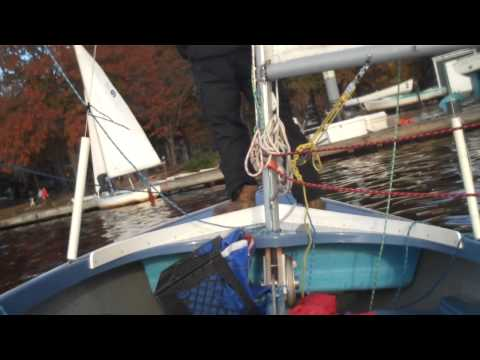 Rudderless Sailing: Dock Landing