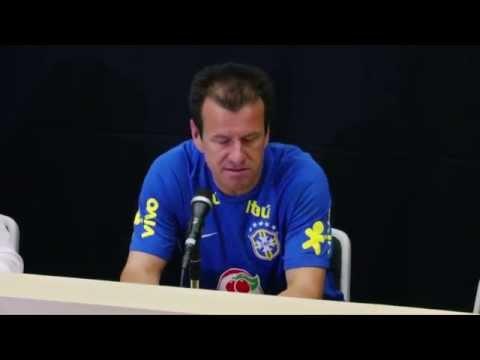 Neu-Coach Carlos Dunga lobt seine Selecao: