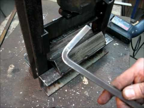 Making Of a DIY Mini Press Brake (Metal B