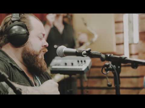 Nathaniel Rateliff & The Night Sweats - S.O.B. (live)