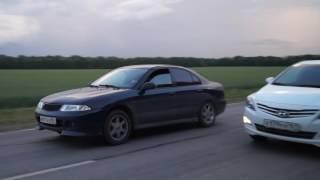 Mitsubishi Carisma vs Hyundai Solaris