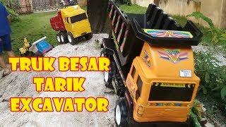Bermain Truk Besar Tarik Excavator Lewati Jalan Berbukit   Construction Toys