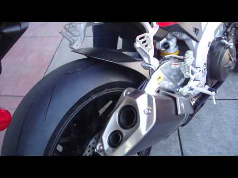 Aprilia RSV4 Factory 2010 sound Video