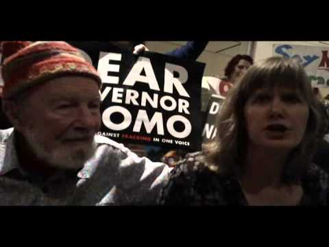 Sandra Steingraber & Pete Seeger - NY State of the State Rally to Ban Fracking - 1.9.13