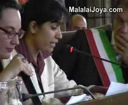 Giglio d'Oro award is given to Malalai Joya in Florence