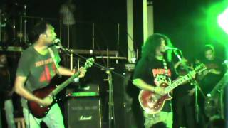 download lagu Artcell-somc-poth Chola Live gratis