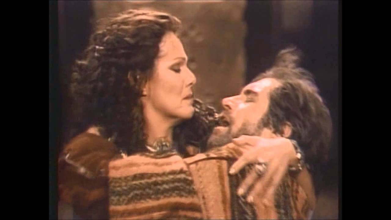 antony and cleopatra 1 Antony and cleopatra in the ruthless, ever-expanding empire of rome, shakespeare creates an astonishing portrait of a love too great for the world.