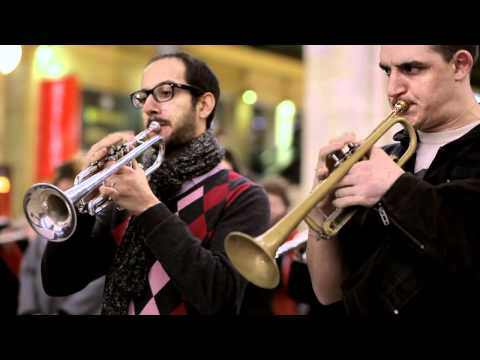 Flashmob Orchestres en fête ! Paris North station - Arlésienne de Bizet