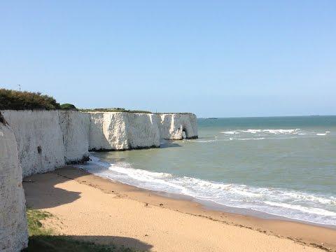 Botany Bay. Меловые скалы вдоль пляжа.