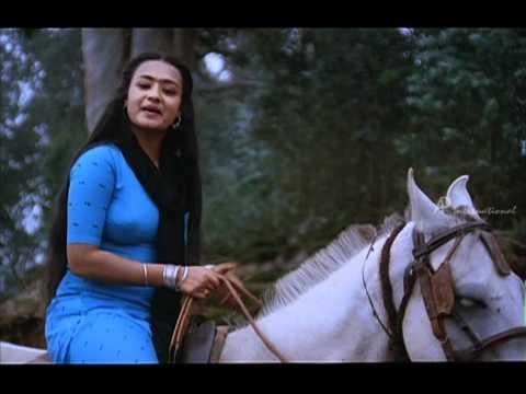 Mella Thiranthathu Kadhavu - Mohan Goes To Amala's House video