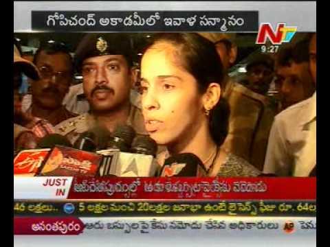 Saina Nehwal speaks to media @ Hyderabad airport