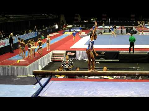 Gabby Douglas - 2012 Kellogg&#039;s Pacific Rim Championships - podium training, beam