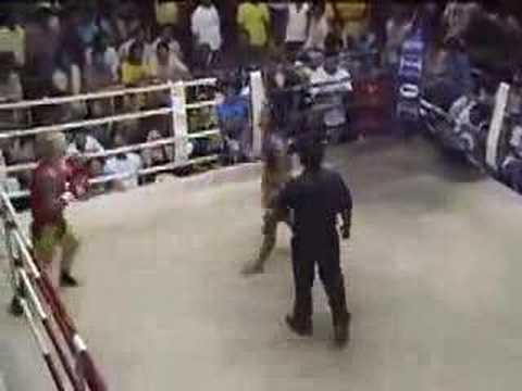 Veronika (Tiger Muay Thai) vs Yokkow (Bangkok) 2007