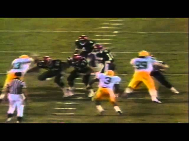 Oregon DE Matt Brock sacks San Diego St Brad Platt for a huge loss 10-01-1988