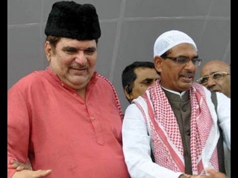 Raza Murad takes a jibe at Narendra Modi over skull cap