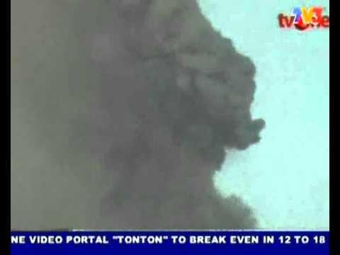 Karangetang Volcano, Sulawesi, exploded. people injured (Nightline 7/8/2010)