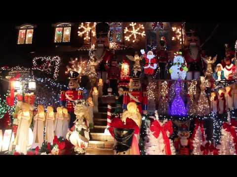 Dyker Heights Christmas Lights 2014 (Recorded December...