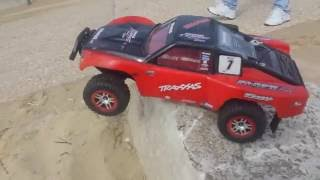 Two Traxxas Slash 4x4 Platinum Sandbanks Short Course RC Truggy/Buggy/Car Beach Running