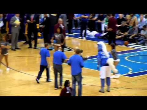 Kid wins contest at Mavs game Music Videos