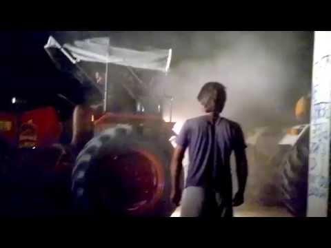 Tractor Tochan Mahindra 575 Vs Swaraj 855 (kahri Sahri) Part 1 video