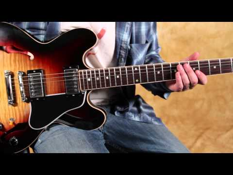 Blues chord progression - Taj Mahal - She caught the Katy - Blues Brothers