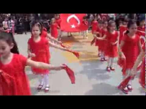 23 Nisan gösterisi Hoş gelişler Ola Hatice Fahriye Eğinlioğlu İlkokulu 1/C sınıfı