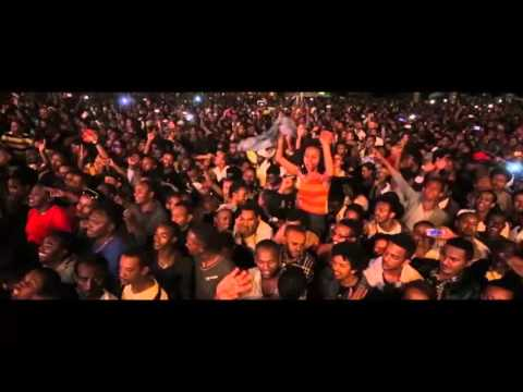 Teddy Afro - Tsebay Senay Live Show  (www.TeddyAfroMuzika.com)