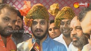 Hero Nikhil Siddharth at Begum Bazaar Ganesh Idol - Watch Exclusive