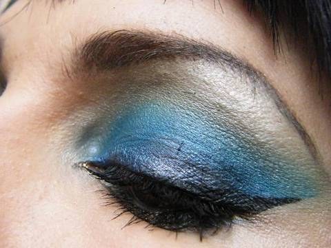 Tutoriel De Maquillage Les Yeux Marrons En Bleu Youtube