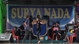 download lagu Hot New Surya Nada - Mawar Bodas_tia Oyoy gratis