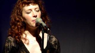 Melissa Auf Der Maur - Meet Me On The Darkside(2011 version)