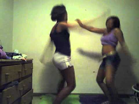 lil sis dancing to travis porter get naked