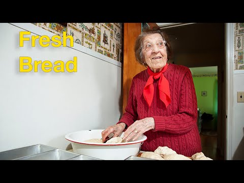 Great Depression Cooking - Fresh Bread (Peppers and Eggs part 2)