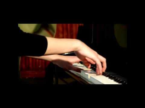 Bring me the horizon- Sleepwalking piano cover by savannah