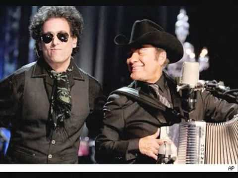 La mesa del rincn  - Andrs Calamaro y los Tigres del Norte-  unplugged