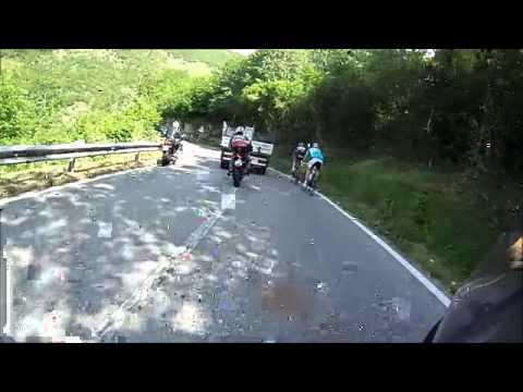 Incidente frontale moto auto suv targa DF53940 POLIZIA STRADALE pirati della strada
