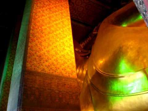 Reclining Buddha @ Wat Pho Temple Phil in Bangkok
