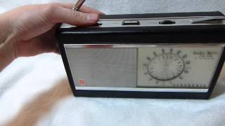 Panasonic Radar Matic RF-2000 auto-tuning transistor radio (Japan, late 1960
