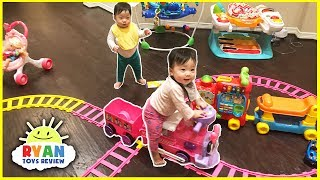 Disney Junior Minnie Mouse Motorized Choo Choo Train with Tracks