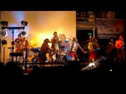 Why This Kolavari (flash Back Live Verona 2012.03.11) video