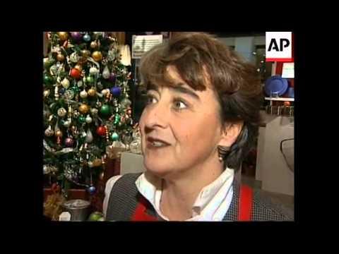 USA: CHRISTMAS SHOPPING SEASON  STARTS IN EARNEST
