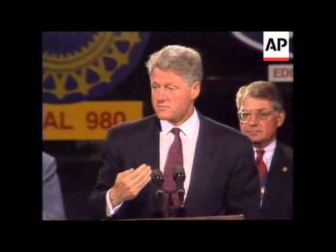USA: PRESIDENT CLINTON VISITS FORD PLANT
