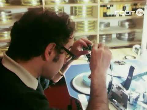 Rare footage of Jean-Luc Godard editing (1982)