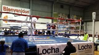 Junior boxeando en tijuana calle 9 round 1