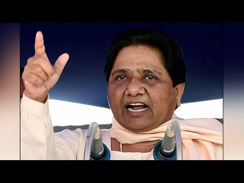Mayawati in trouble, senior leader RK Chaudhary quits party | Oneindia News