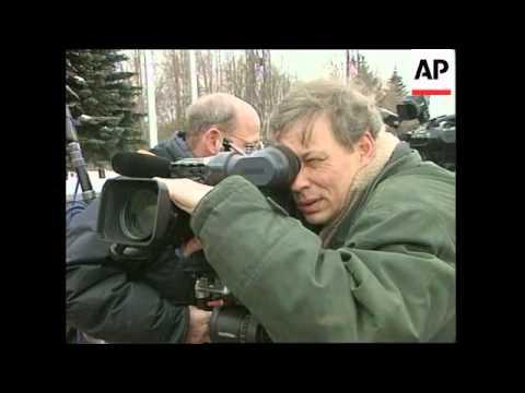RUSSIA: JOSCHKA FISCHER VISITS MOSCOW