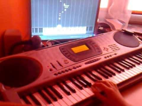 Granie Na Keyboardzie Zółty Ananas Przez Synthesia Kabel USB-MIDI